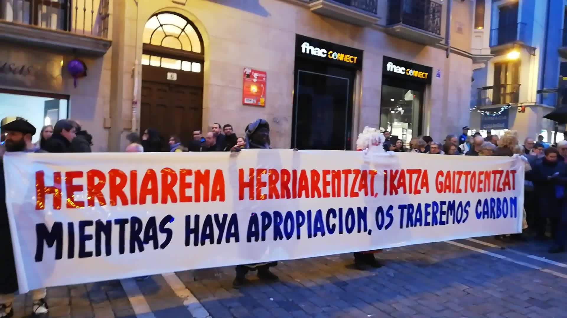Protesta por la inmatriculación de bienes por parte de la Iglesia - Público TV